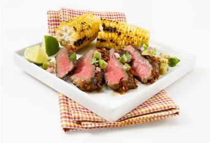 Biftecks de faux filet Santa Fe (sur le barbecue) Image