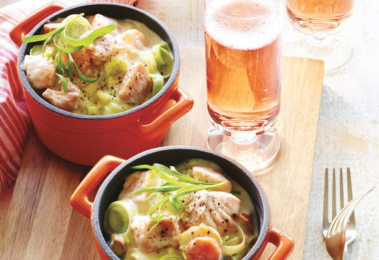 Salmon blanquette mini-casseroles