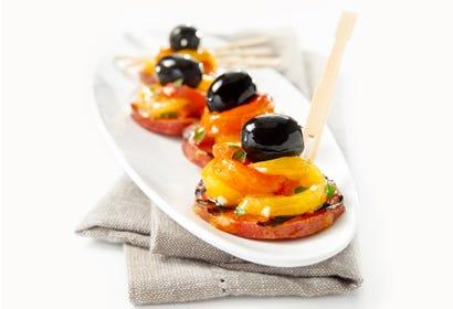 Bouchées de chorizo grillé, poivron rôti et olive Image