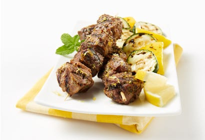 Barbecued lamb brochettes with lemon and garlic Image