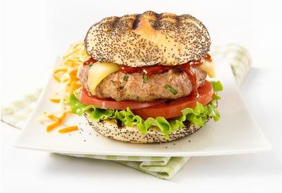 Burgers de cerf sauce barbecue et fromage du Québec Image
