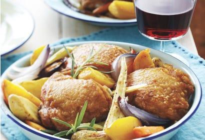 Casserole de poulet et légumes-racines Image