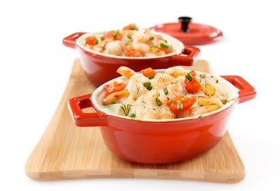 Crevettes au vin blanc en minicocottes Image