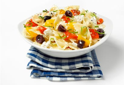 Farfalle with grilled peppers, basil and feta Image