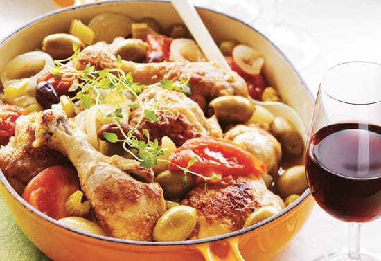 Chicken stew with olives and white wine