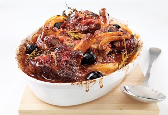 Osso buco d'agneau aux olives noires et fenouil