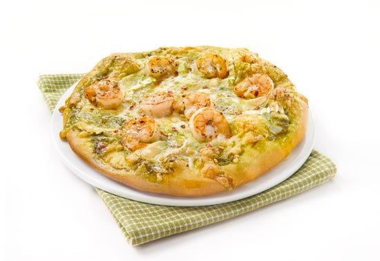 Pizza aux crevettes, pesto et chèvre