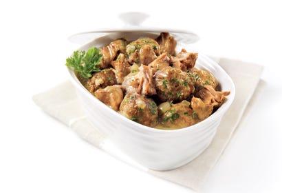 Ragoût de boulettes et de pattes de porc traditionnel du temps des Fêtes Image