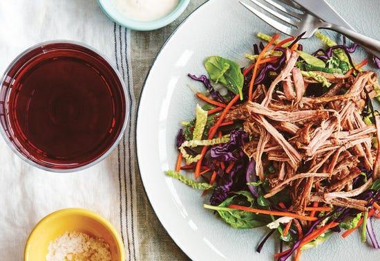 Salade au boeuf effiloché et vinaigrette crémeuse