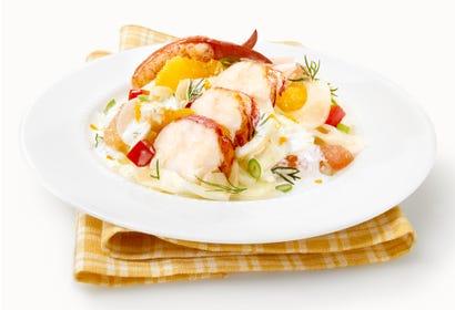 Salade de homard du printemps aux agrumes et fenouil Image