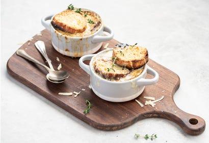 Soupe à l'oignon à la bière et au fromage du Québec Image