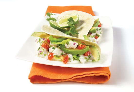 Tacos de poisson blanc, avocat, coriandre et lime