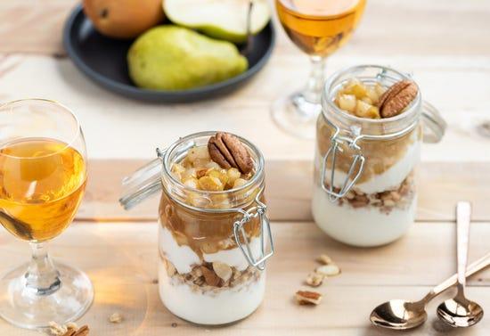 Verrines de poires caramélisées au cidre de glace et douceur à la vanille