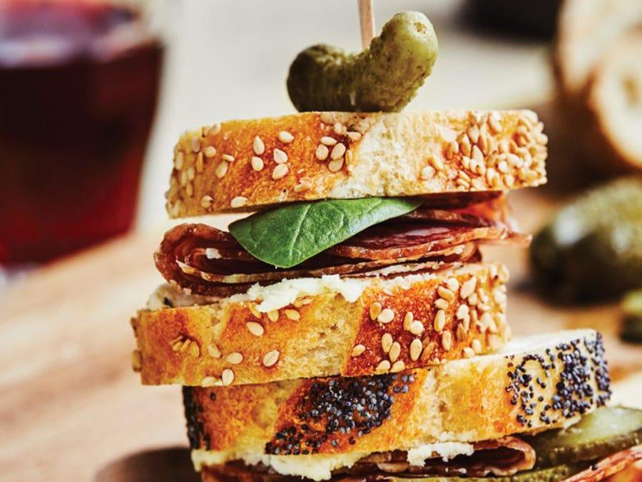 Sandwich cocktail à la rosette de Lyon