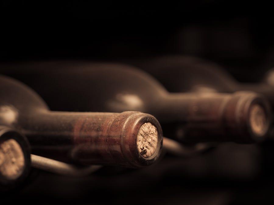 vieilles bouteilles de vin