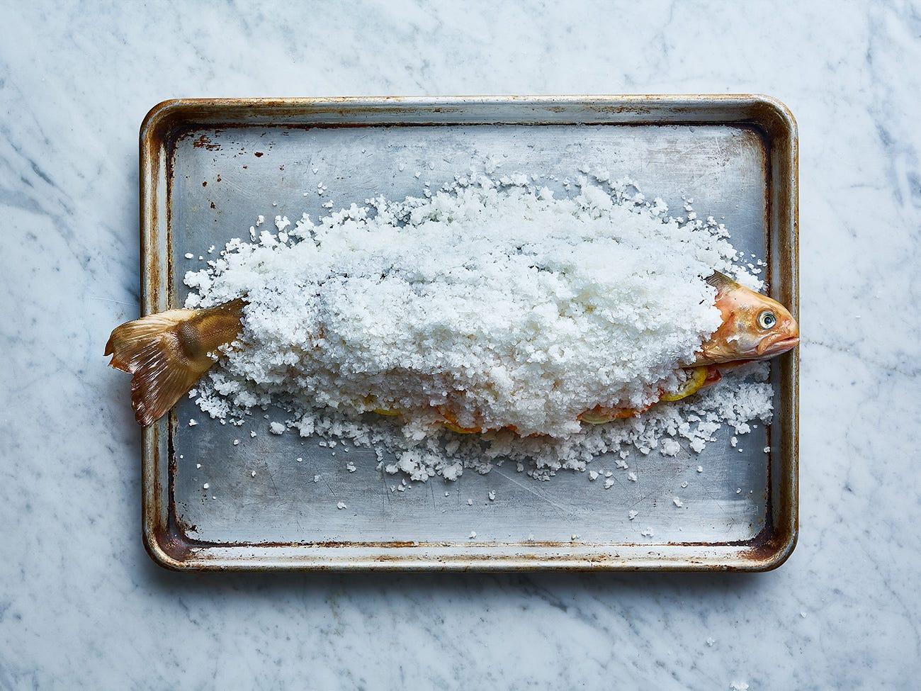Saumon en croute de sel