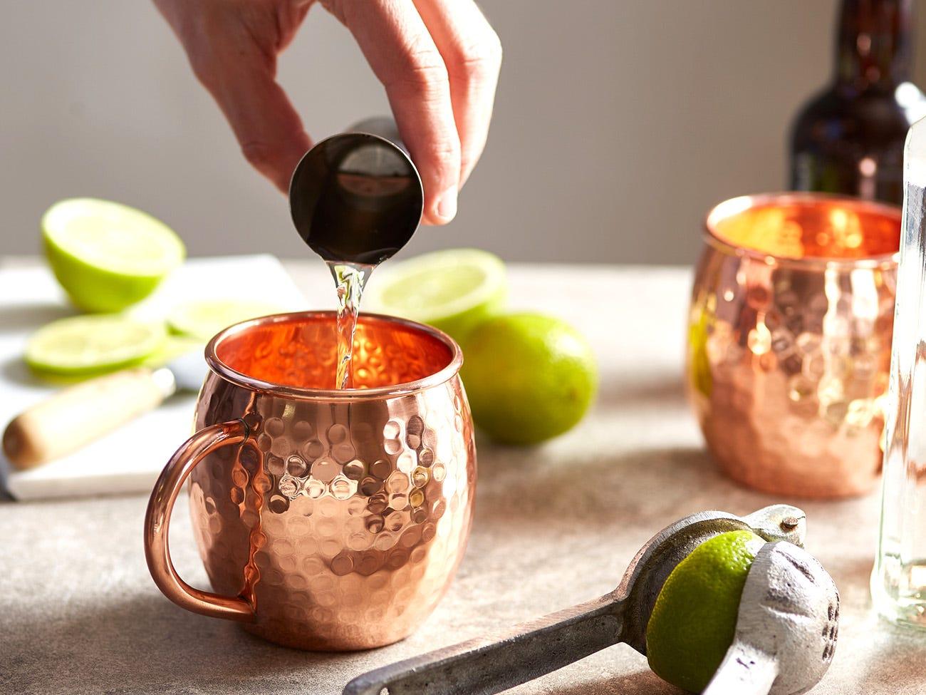 un cocktail en préparation