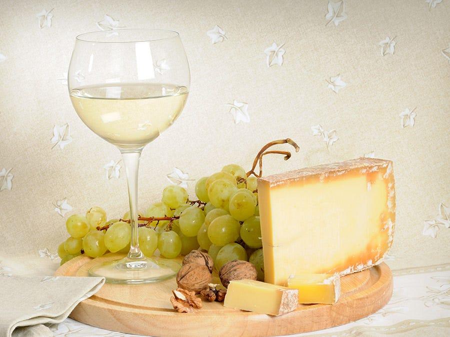Comté et vin blanc
