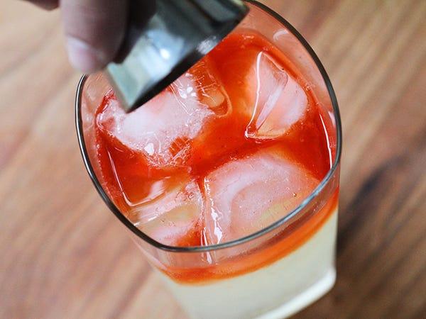Limonade-vodka à la fraise
